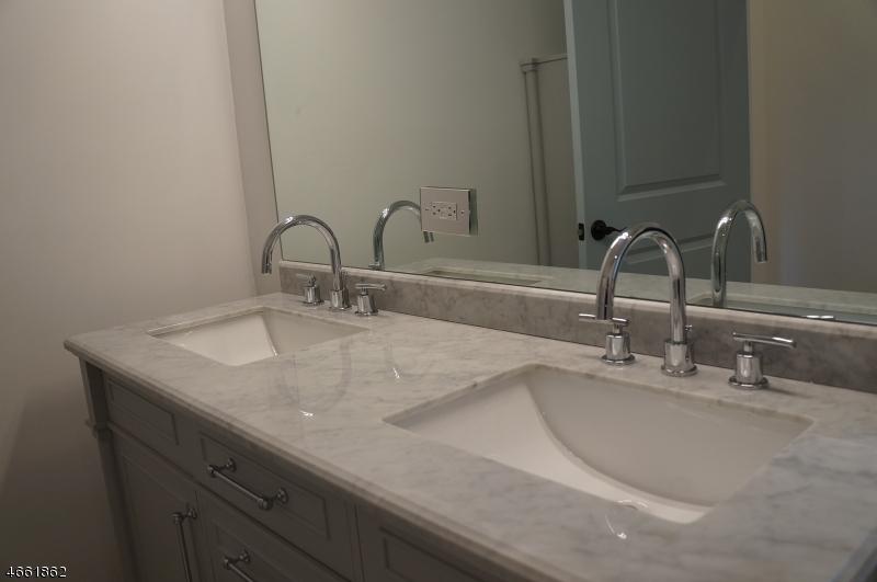 Additional photo for property listing at 454 Tremont Place  Orange, Nueva Jersey 07050 Estados Unidos