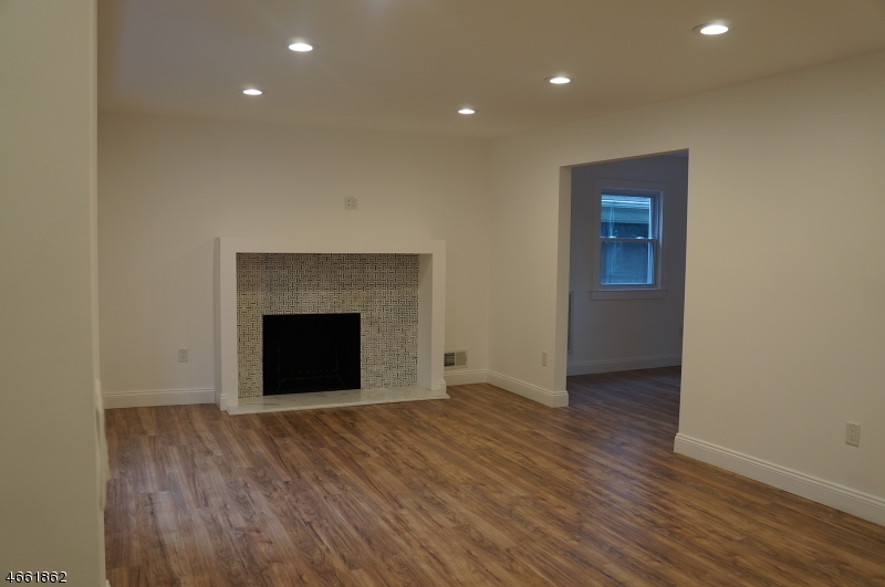 Additional photo for property listing at 454 Tremont Place  Orange, 新泽西州 07050 美国