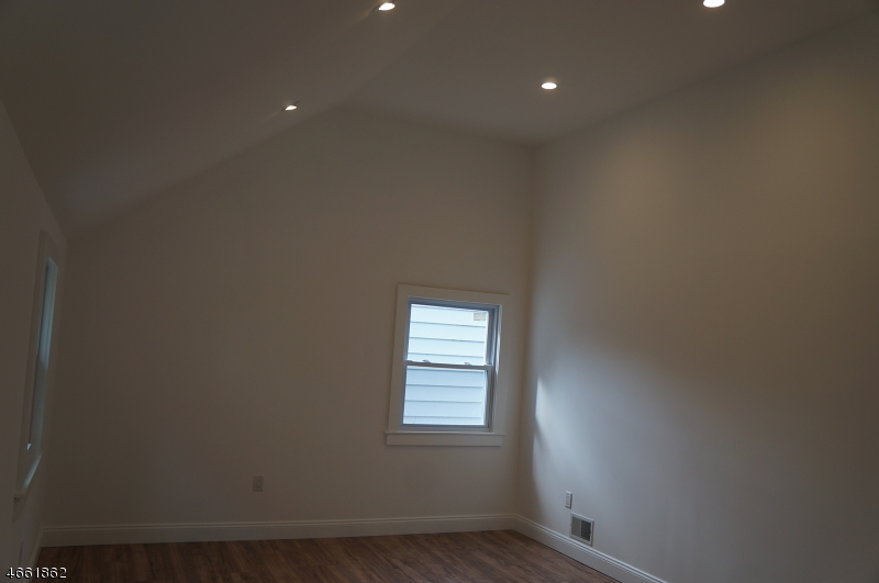 Additional photo for property listing at 454 Tremont Place  Orange, New Jersey 07050 United States