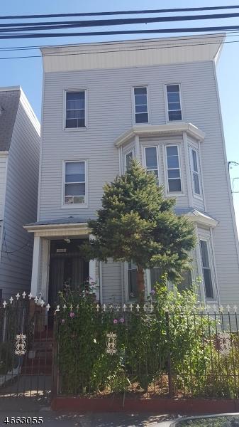 Maison avec plusieurs logements pour l Vente à 369 Summer Avenue Newark, New Jersey 07104 États-Unis
