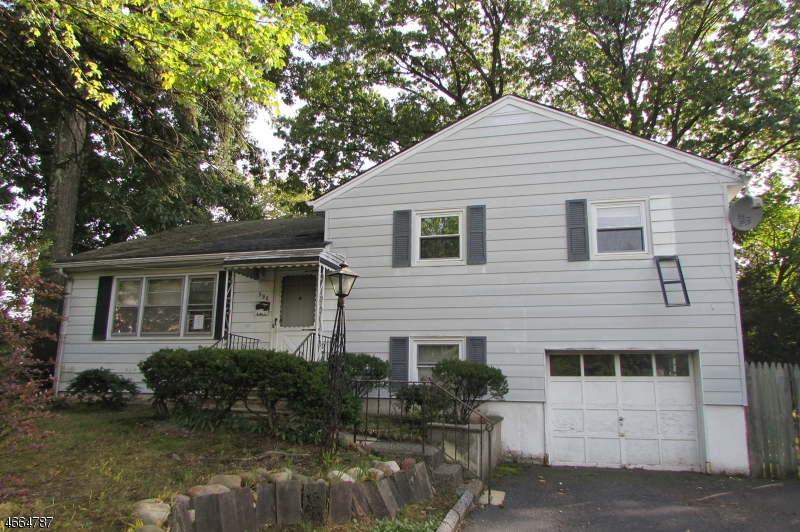 Single Family Home for Sale at 396 Ridgewood Avenue Paramus, New Jersey 07652 United States