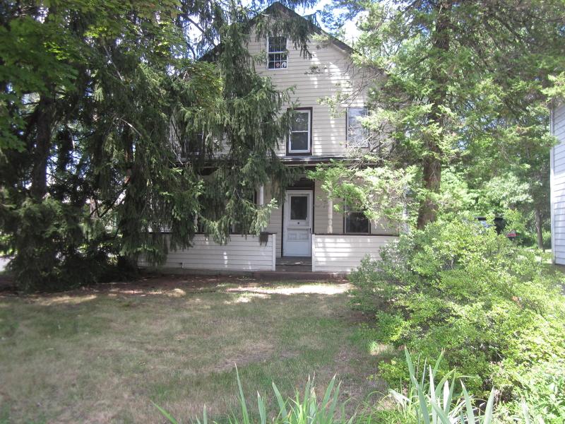 Частный односемейный дом для того Аренда на 134 Newark Pompton Tpke Pequannock, Нью-Джерси 07440 Соединенные Штаты