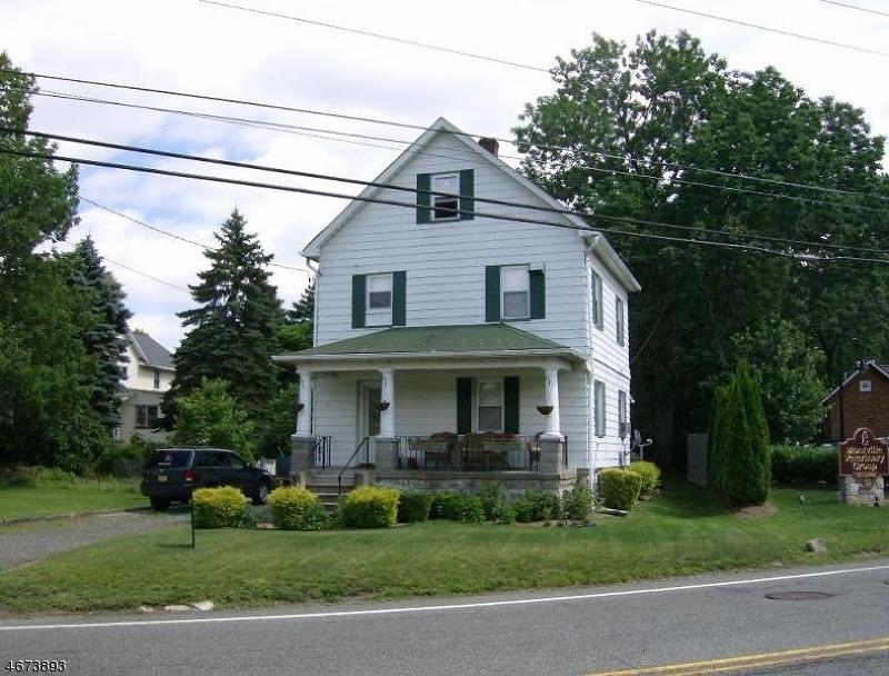 Частный односемейный дом для того Аренда на 9 Route 202 Montville, Нью-Джерси 07045 Соединенные Штаты