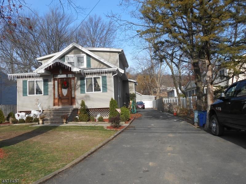 Single Family Home for Sale at 675 Thompson Avenue Bound Brook, 08805 United States