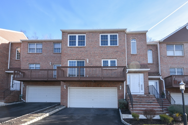 Single Family Home for Sale at 25 BEACON HILL COMMONS Pompton Lakes, New Jersey 07442 United States