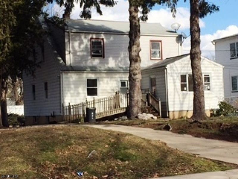 Maison unifamiliale pour l à louer à 82 Race Street Nutley, New Jersey 07110 États-Unis