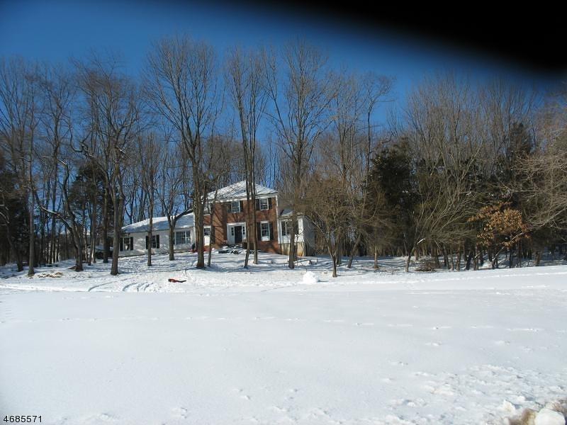 Casa Unifamiliar por un Alquiler en 10 PASTURE Road Whitehouse Station, Nueva Jersey 08889 Estados Unidos