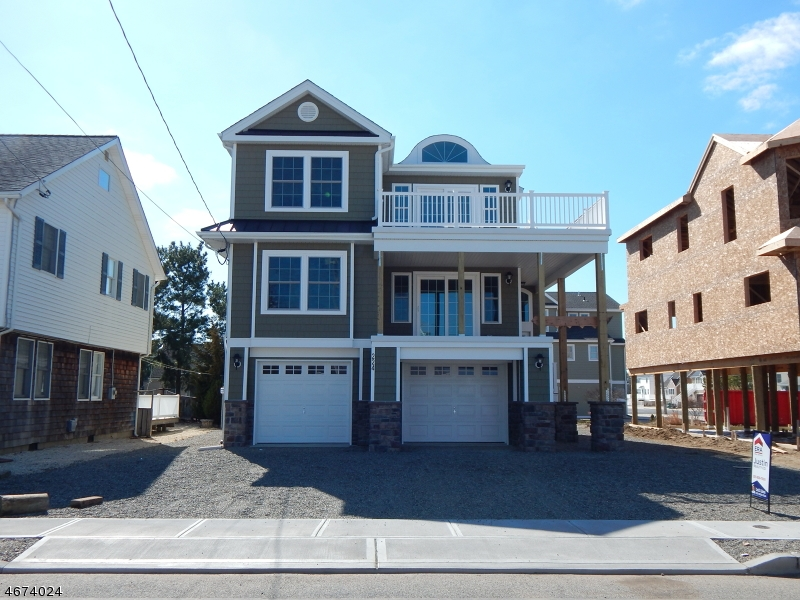 Maison unifamiliale pour l Vente à 224 Glendola Avenue Beach Haven, New Jersey 08008 États-Unis