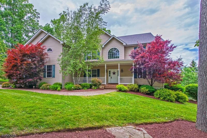 Частный односемейный дом для того Продажа на 2 Cornerstone Drive Allamuchy, Нью-Джерси 07820 Соединенные Штаты