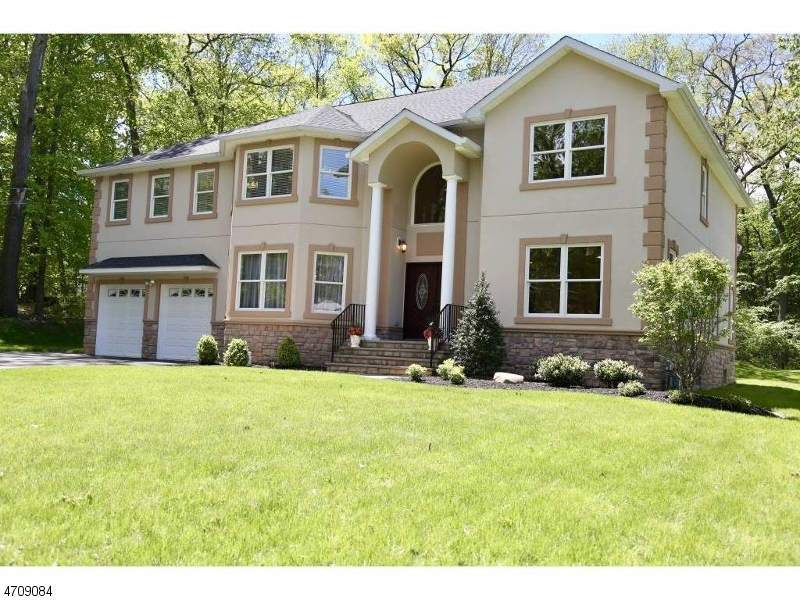 Single Family Home for Sale at 19 Park Road Morris Plains, New Jersey 07950 United States