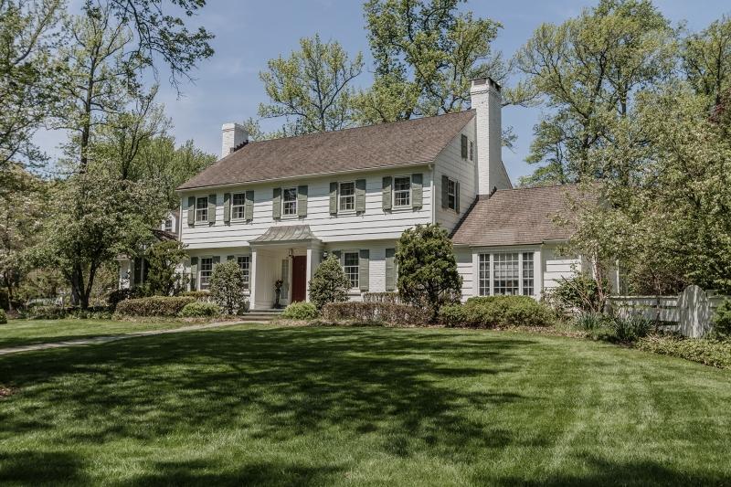 Casa Unifamiliar por un Venta en 301 Hillside Avenue Westfield, Nueva Jersey 07090 Estados Unidos