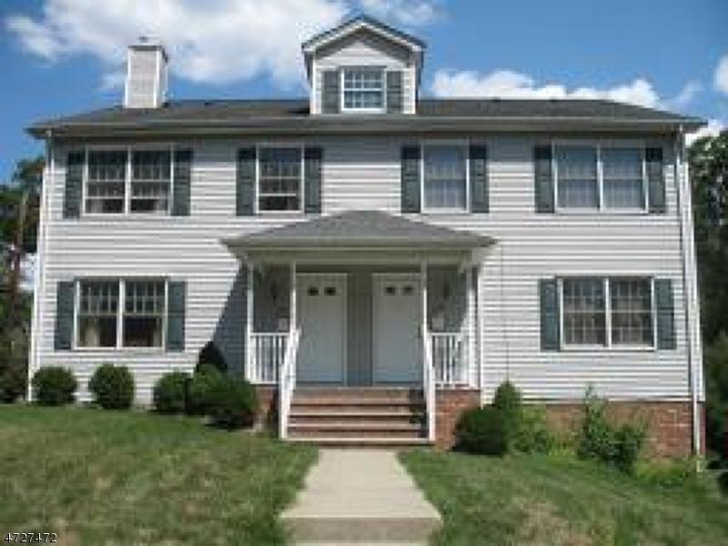 Maison unifamiliale pour l à louer à 111 Summit Avenue Chatham, New Jersey 07928 États-Unis