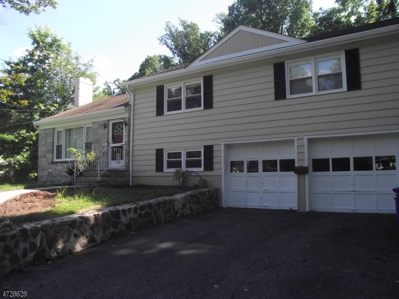 Single Family Home for Rent at 373 Old Tote Road Mountainside, New Jersey 07092 United States