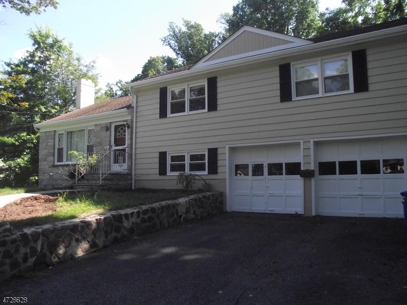 Casa Unifamiliar por un Alquiler en 373 Old Tote Road Mountainside, Nueva Jersey 07092 Estados Unidos