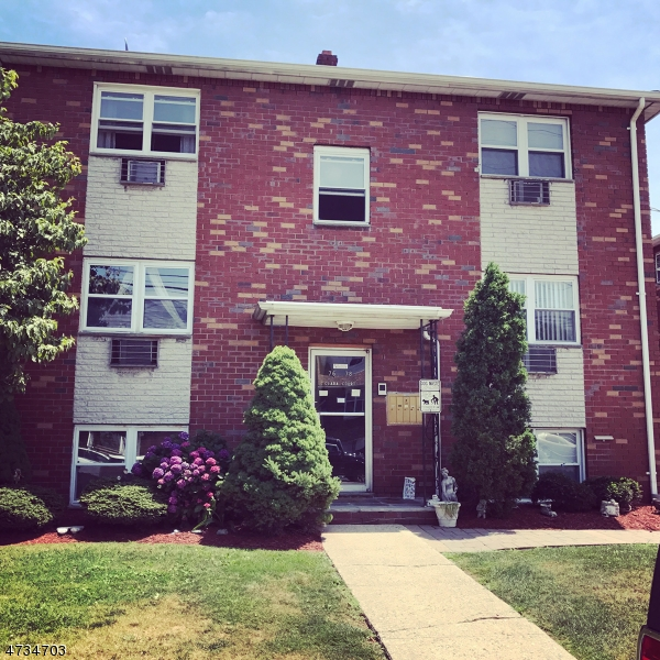 Maison unifamiliale pour l à louer à 76 Frederick St, U-2 Belleville, New Jersey 07109 États-Unis