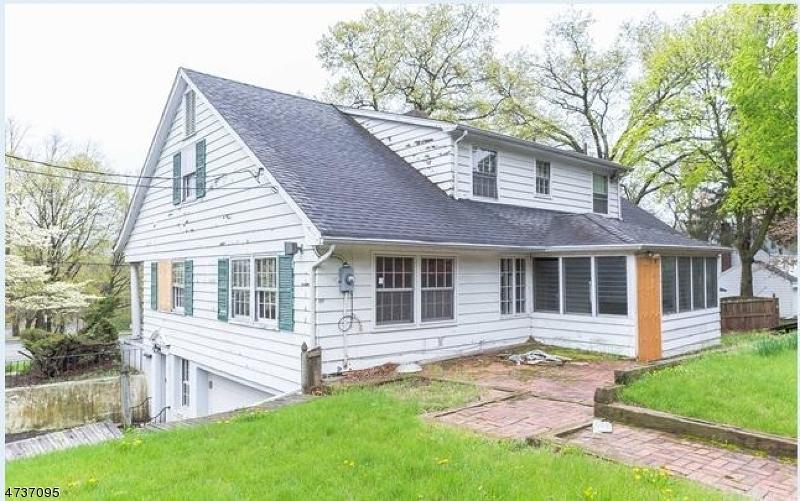 独户住宅 为 销售 在 841 Kinderkamack Road Oradell, 新泽西州 07649 美国