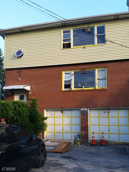 独户住宅 为 出租 在 420 E 1st Avenue 罗塞尔, 新泽西州 07203 美国