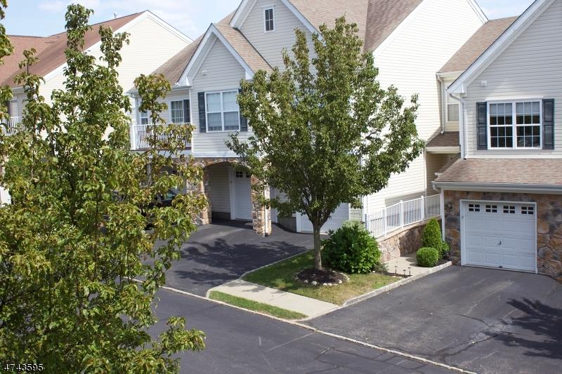 Частный односемейный дом для того Аренда на 155 Mountainside Drive Pompton Lakes, Нью-Джерси 07442 Соединенные Штаты