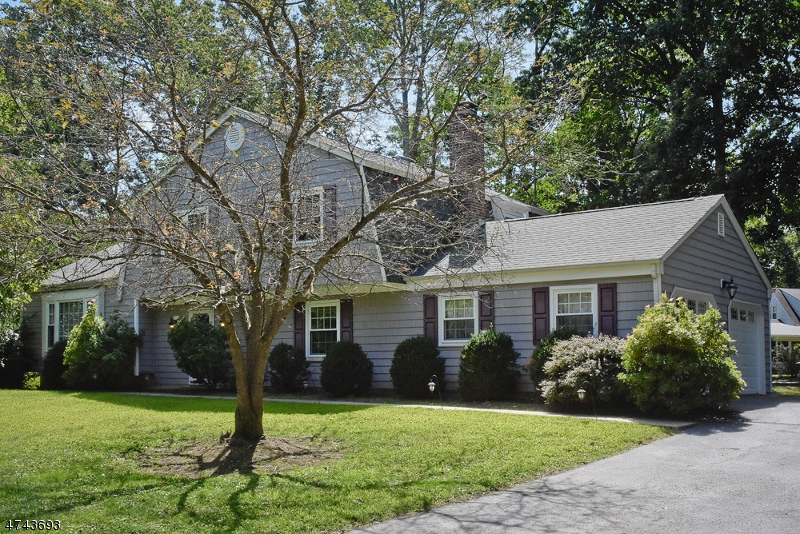 Single Family Home for Sale at 41 Cutler Drive 41 Cutler Drive Morris Plains, New Jersey 07950 United States