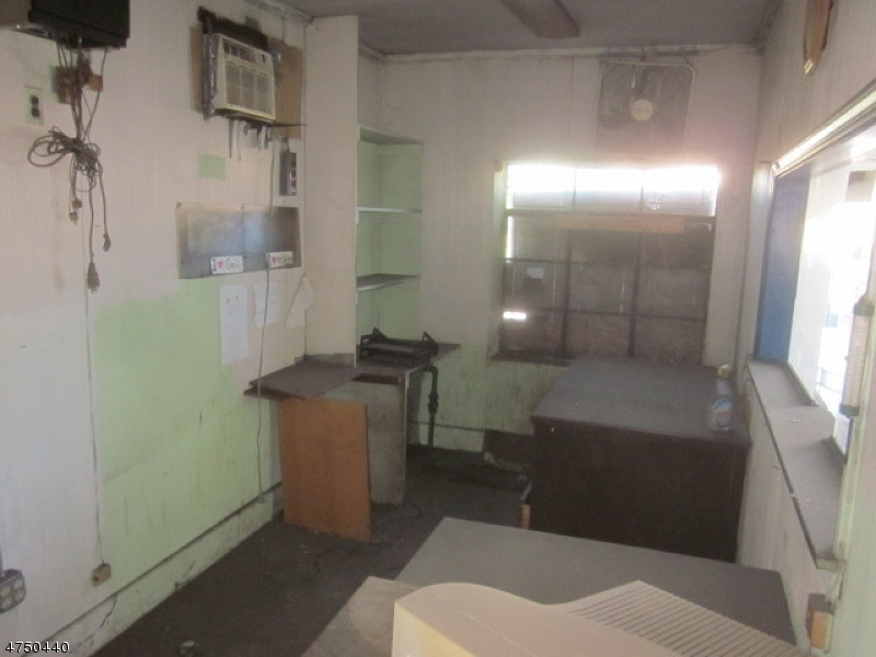 Additional photo for property listing at 2240 Morris Avenue  Union, 新泽西州 07083 美国