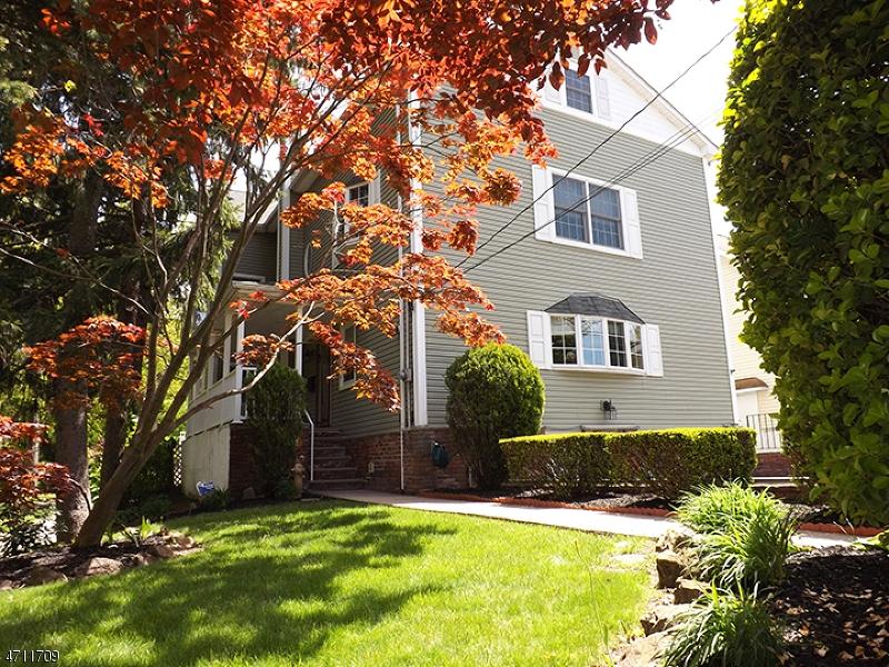 Einfamilienhaus für Verkauf beim 46 Lake Street 46 Lake Street Nutley, New Jersey 07110 Vereinigte Staaten