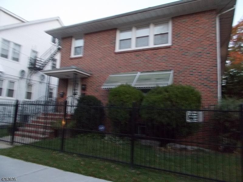 단독 가정 주택 용 임대 에 100-102 MIDLAND Place Newark, New Jersey 07106 United States
