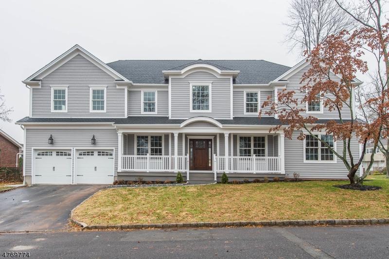 Maison unifamiliale pour l Vente à 9 Oak Street Clark, New Jersey 07066 États-Unis