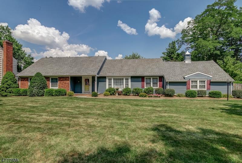 Частный односемейный дом для того Продажа на 6 Village Road Florham Park, Нью-Джерси 07932 Соединенные Штаты