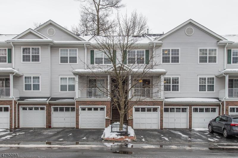 Maison unifamiliale pour l à louer à 409 Dalton Court Denville, New Jersey 07834 États-Unis