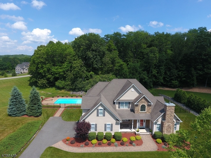 Einfamilienhaus für Verkauf beim 101 Lake Iliff Road 101 Lake Iliff Road Andover Township, New Jersey 07860 Vereinigte Staaten