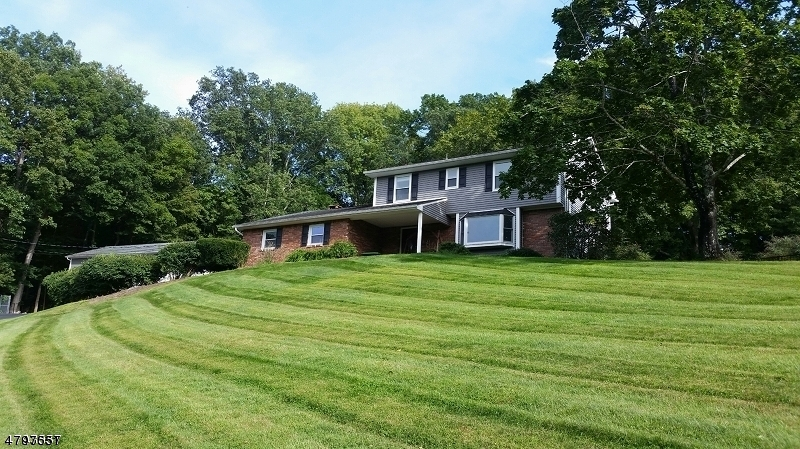 Maison unifamiliale pour l Vente à 27 Puder Road Fredon, New Jersey 07860 États-Unis