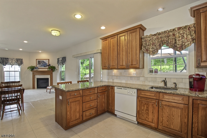 Additional photo for property listing at 23 BOWERS Drive  Allamuchy, Nova Jersey 07840 Estados Unidos