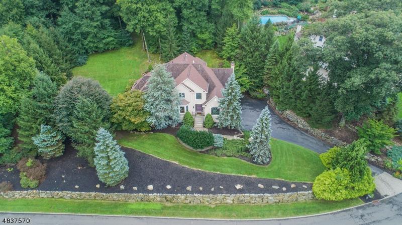 独户住宅 为 销售 在 68 COVENTRY WAY 令伍特, 新泽西州 07456 美国