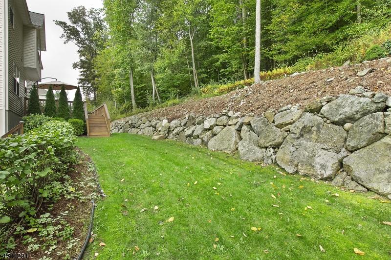 Additional photo for property listing at 23 BOWERS Drive  Allamuchy, Nova Jersey 07840 Estados Unidos