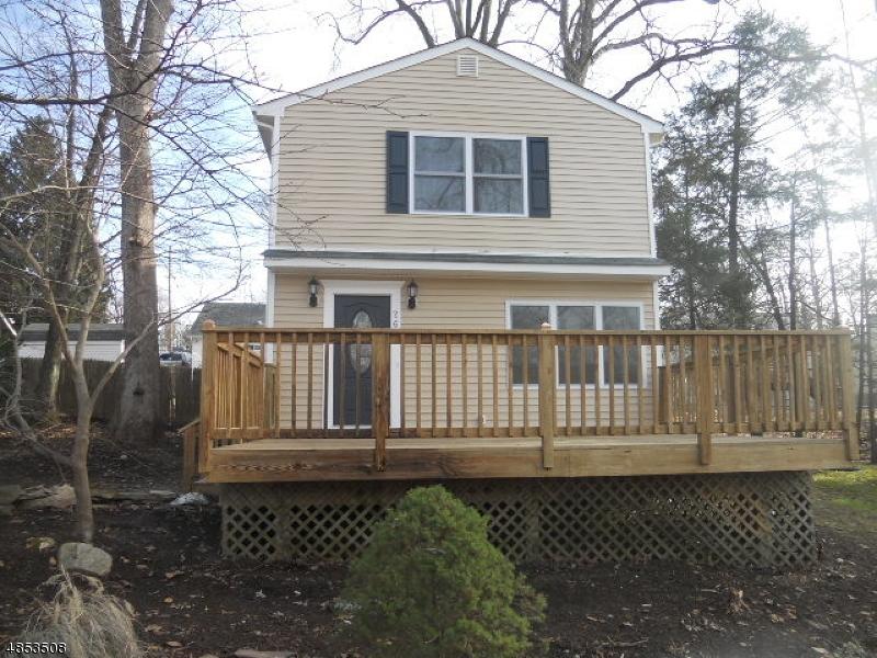 独户住宅 为 销售 在 26 IVY Place 西米尔福德, 新泽西州 07480 美国