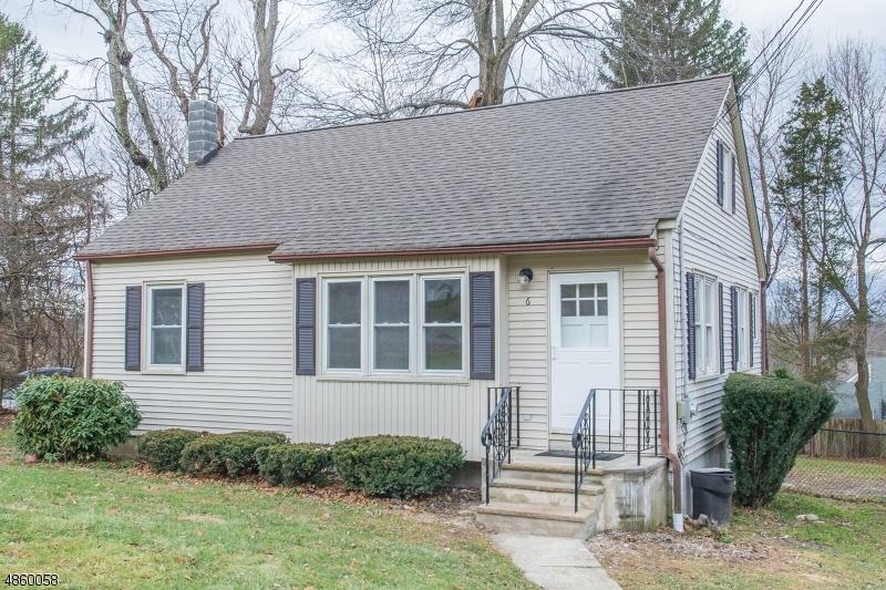 Maison unifamiliale pour l Vente à 6 LINDA Lane Andover, New Jersey 07860 États-Unis