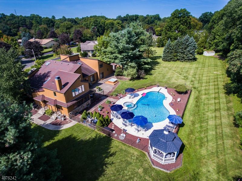 Частный односемейный дом для того Продажа на 12 DITZEL FARM Court Scotch Plains, Нью-Джерси 07076 Соединенные Штаты