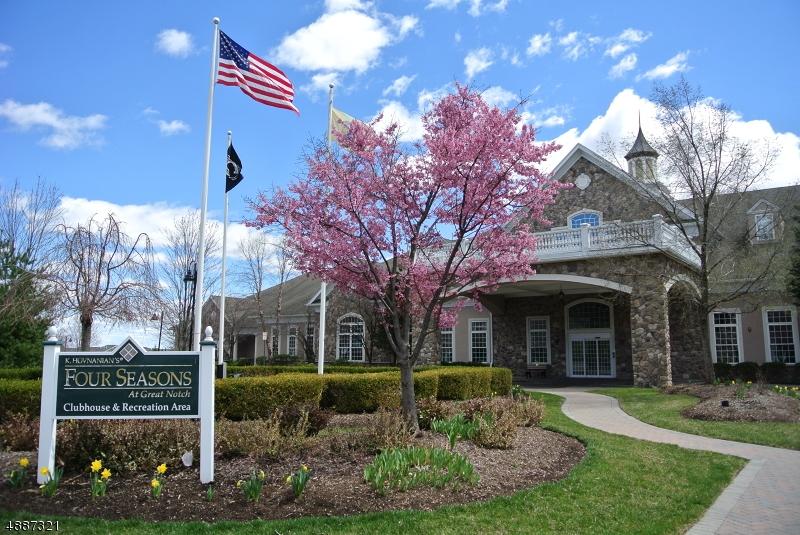 Condo / Townhouse pour l Vente à 2 QUARRY DR C2 Woodland Park, New Jersey 07424 États-Unis