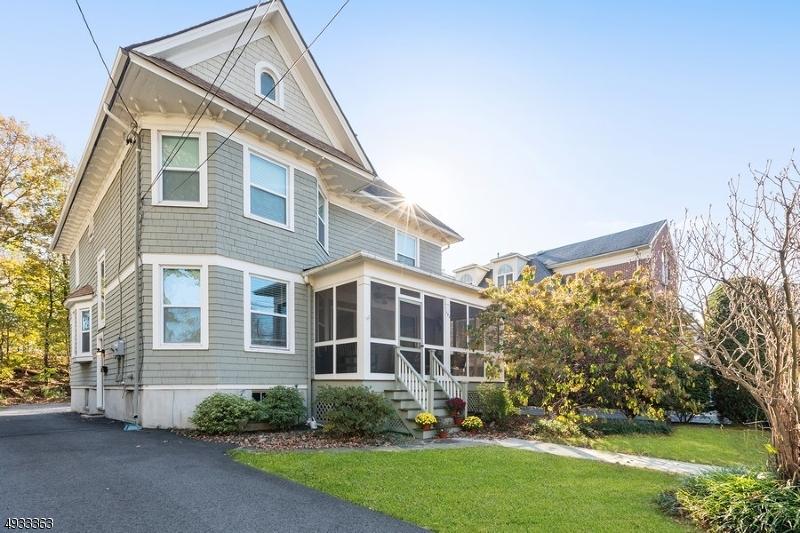 Multi-Family Homes pour l Vente à Cranford, New Jersey 07016 États-Unis