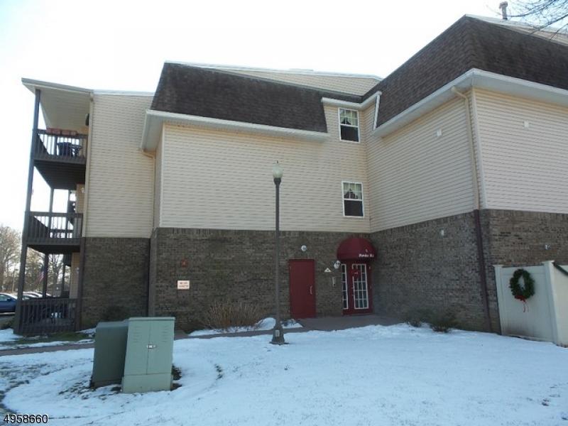 Condominio/ Casa de pueblo por un Venta en 115 CANNELLA WAY Riverdale, Nueva Jersey 07457 Estados Unidos
