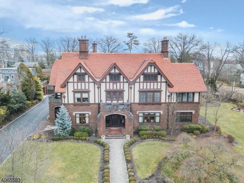 Single Family Homes per Vendita alle ore Montclair, New Jersey 07042 Stati Uniti
