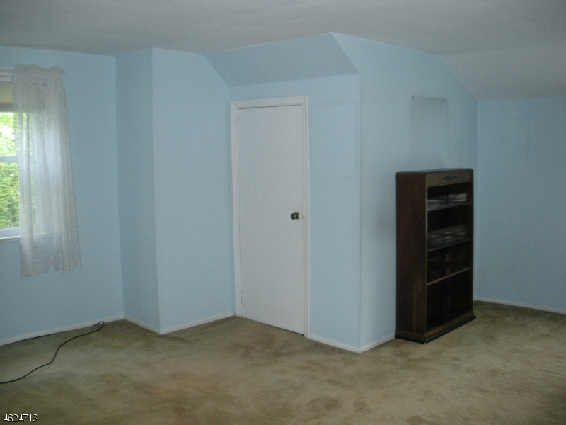 Additional photo for property listing at 10 MORRIS TPKE  Randolph, Нью-Джерси 07869 Соединенные Штаты
