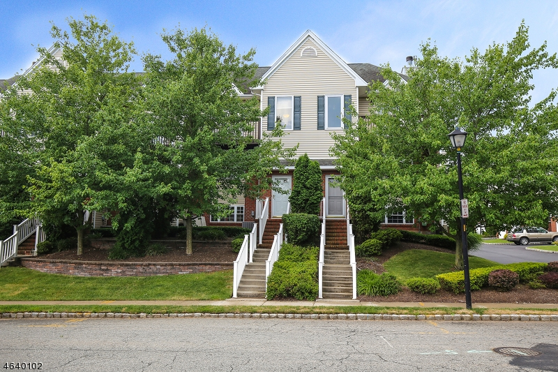 Additional photo for property listing at 28 CASTLE Drive  Berkeley Heights, Nueva Jersey 07922 Estados Unidos