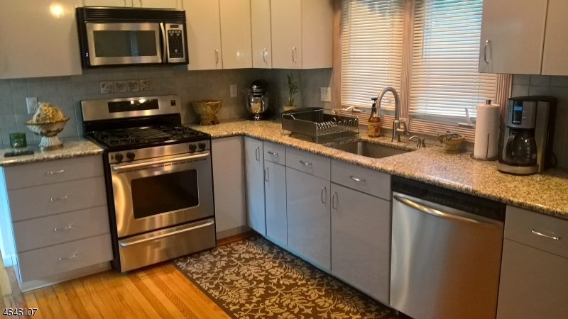 Additional photo for property listing at 11 Poplar Street  Lincoln Park, Nueva Jersey 07035 Estados Unidos