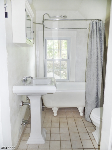 Additional photo for property listing at 57 Railroad Avenue  Metuchen, New Jersey 08840 États-Unis