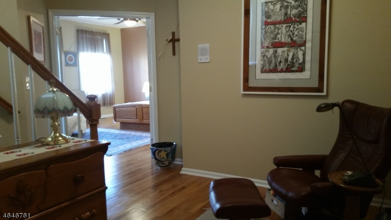 Additional photo for property listing at 137 Brittany Court  Clifton, New Jersey 07013 États-Unis