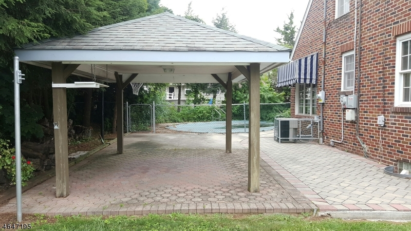 Additional photo for property listing at 85 Boesel Avenue  Manville, New Jersey 08835 États-Unis