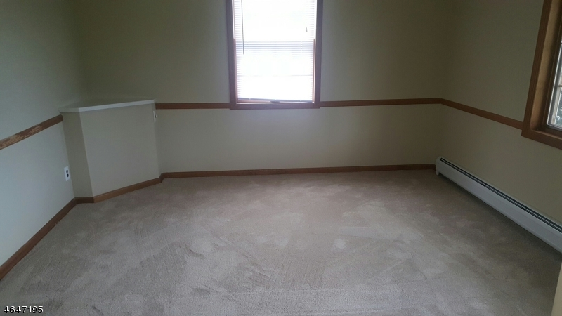 Additional photo for property listing at 85 Boesel Avenue  Manville, Нью-Джерси 08835 Соединенные Штаты