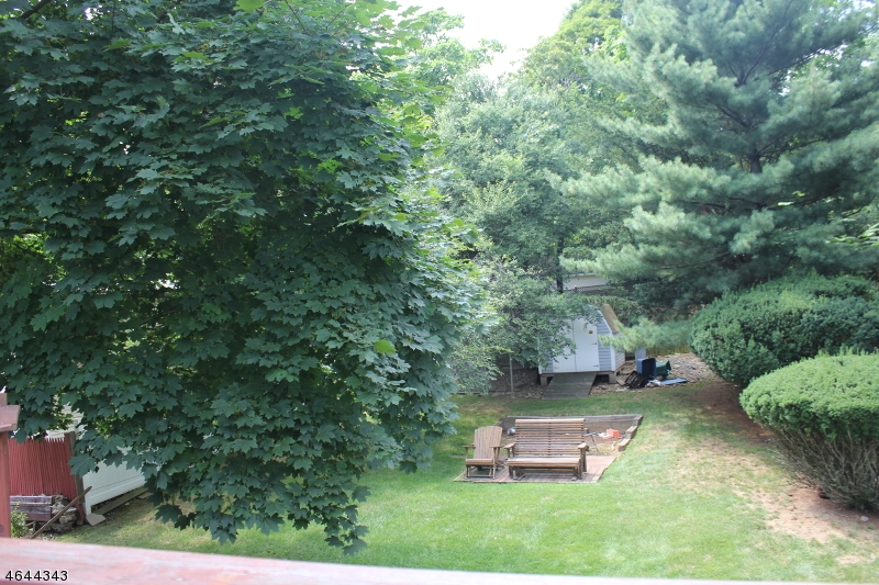 Additional photo for property listing at 811 Pleasant Valley Way  West Orange, Нью-Джерси 07052 Соединенные Штаты