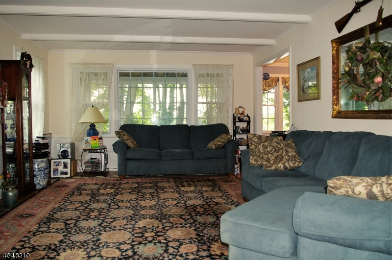 Additional photo for property listing at 3 Powder Horn Grn  Sparta, New Jersey 07871 United States